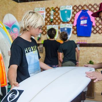 Nueva fábrica de tablas de Surf / Surfboards
