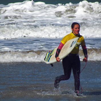 Juli Varady // Surf Chicas